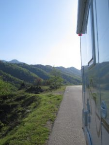 Rent a Motorhome Camper Van and Recreation Vehicle (RV)- Discover destinations